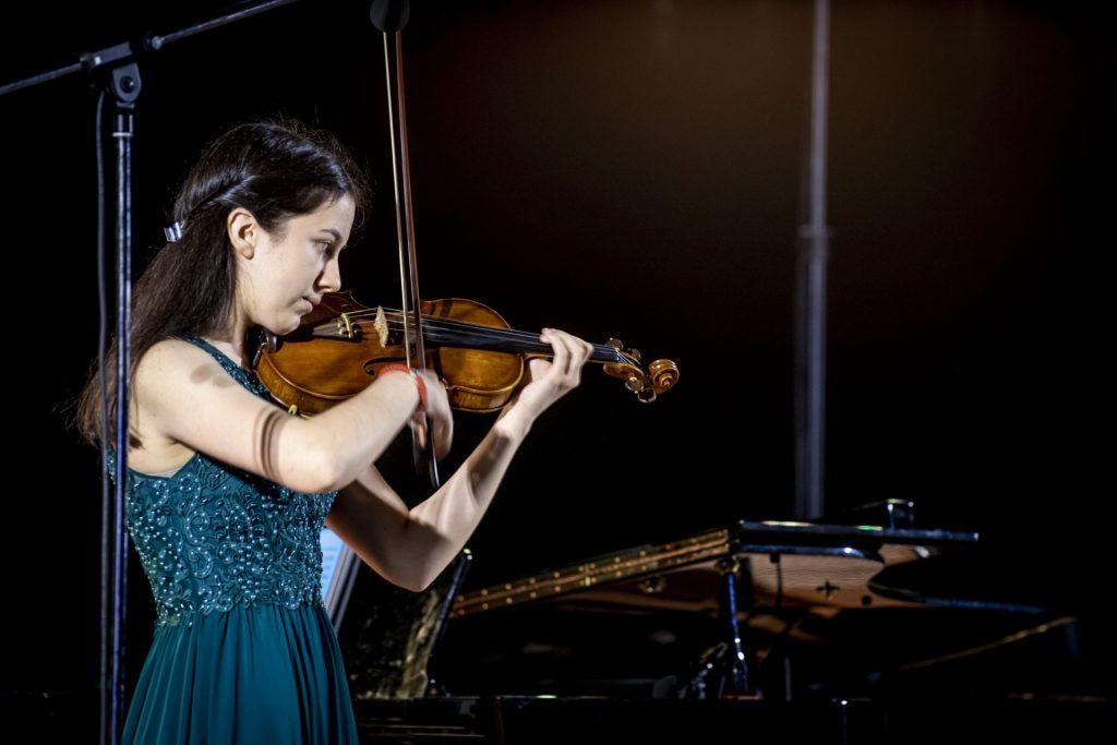 Заключителен концерт на майсторските класове на Ангелина Абаджиева по цигулка и на Лилия Бояджиева по пиано